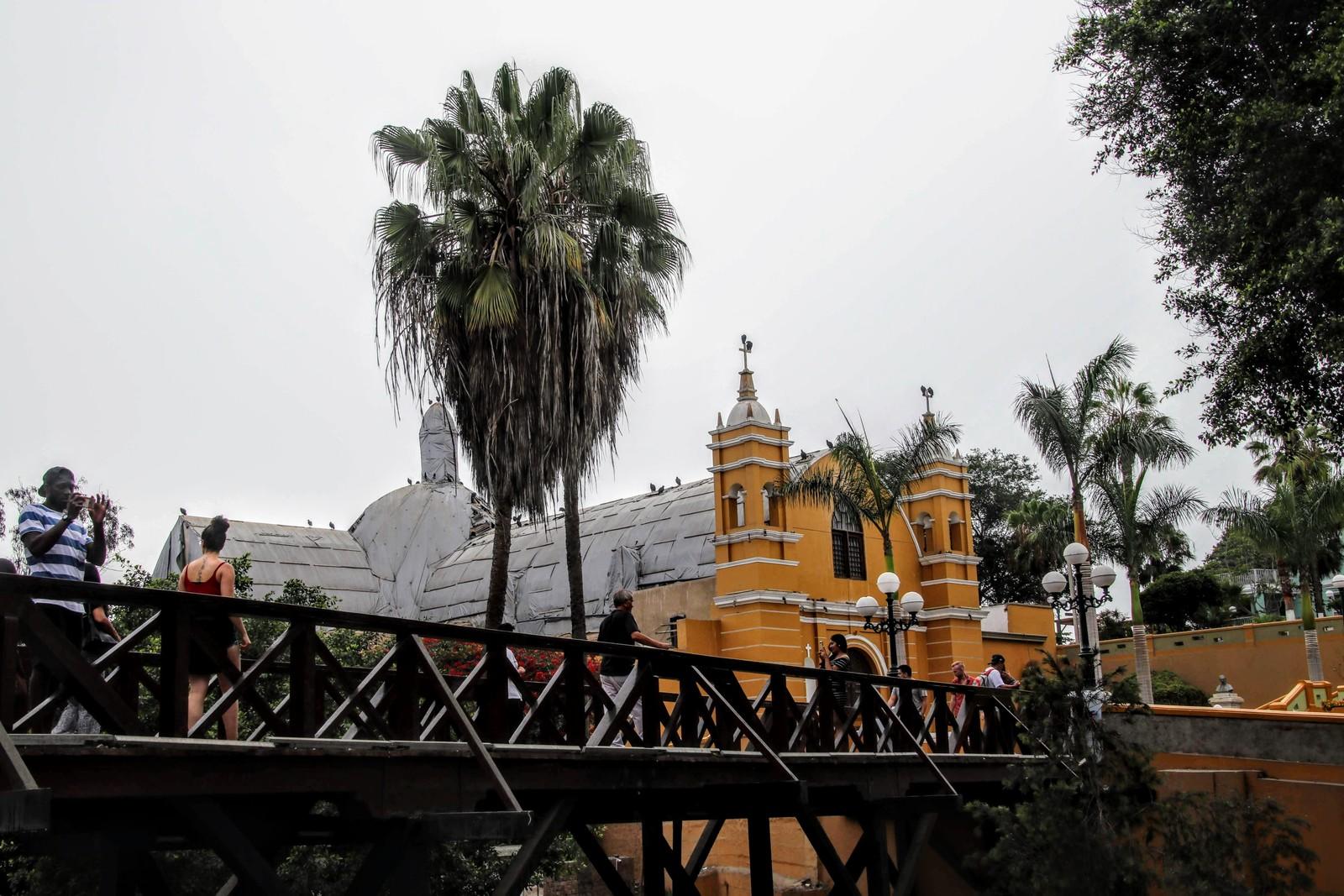 04 Puente de los Suspiros si Biserica La Eremita