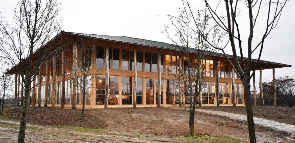 1. Muzeul-Atelier Școala de la Piscu - exterior. Credite foto - Andi Ostafi