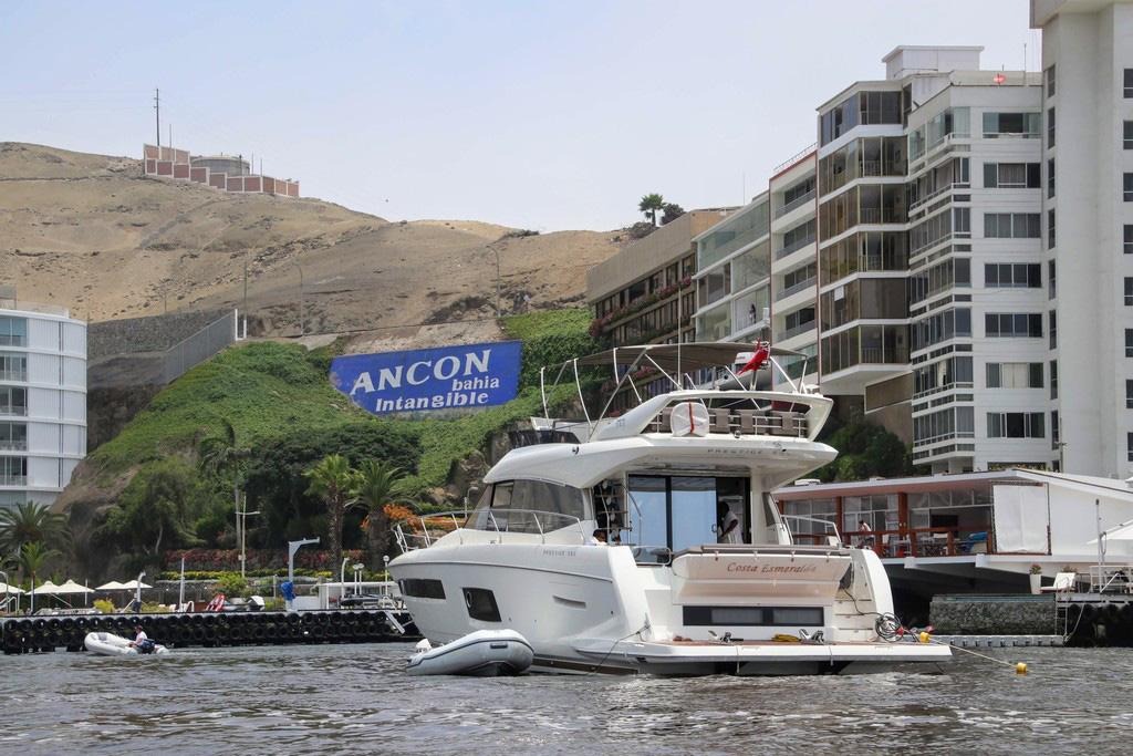 18 Yacht Club Ancon cu Debarcader