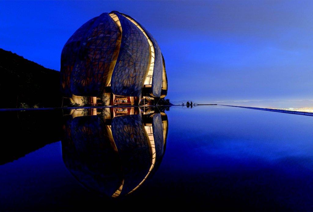 Templul cu bazinul de apă reflectorizant, Foto: Sebastián Wilson León