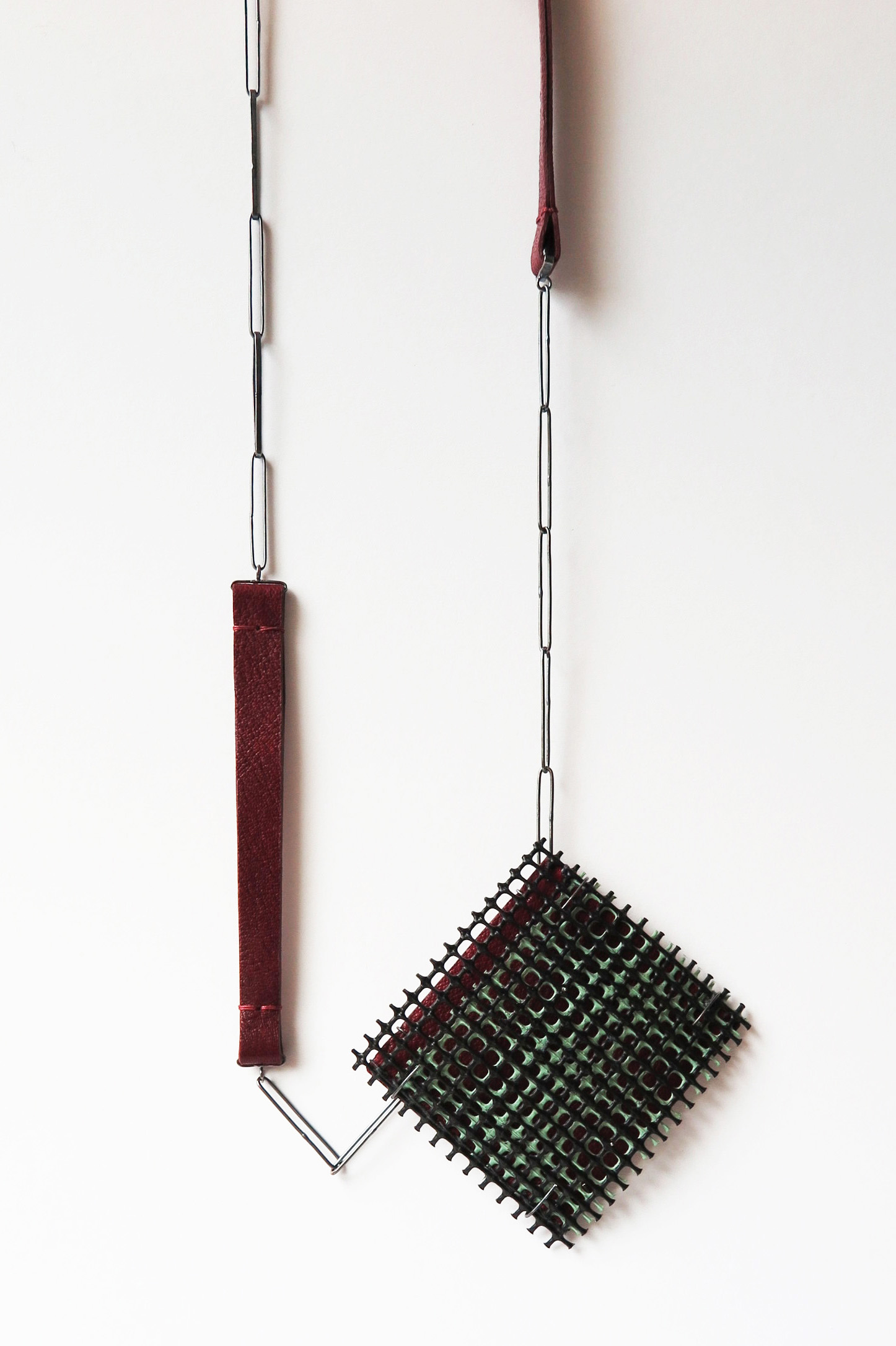 (5-3) layered pendant_pale green_8×1.3×7.3(H)cm length worn 37cm_sterling silver, plastic mesh, leather, pigment_2021