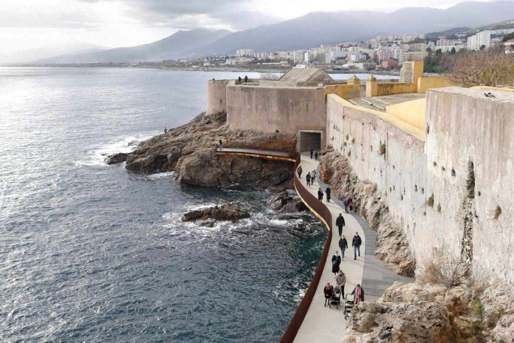 Cărarea devine destinaţia. Promenada L'Aldilonda, Bastia, Corsica