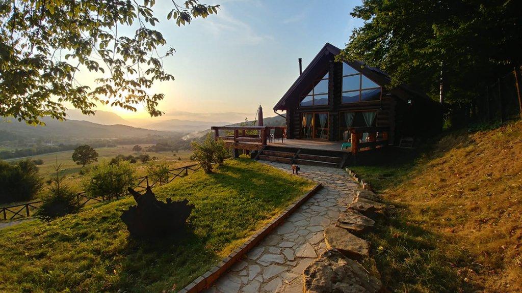 Câștigă 3 weekend-uri de relaxare cu noul album Conace și Pensiuni din România 3 - UPDATE