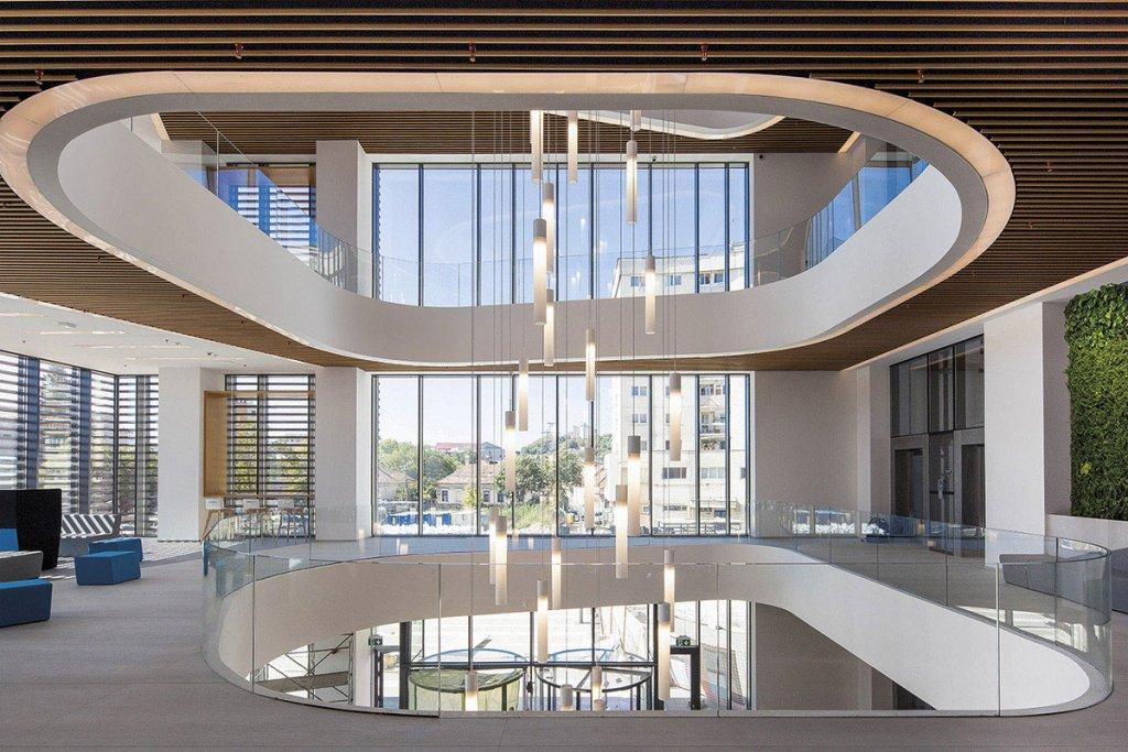 Cornișă deschisă spre cer: imobilul de birouri BINARIUM
