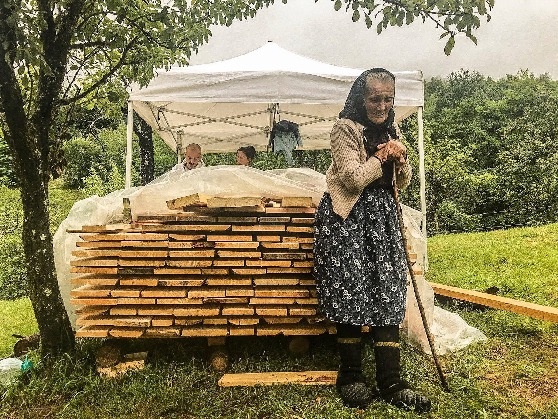 Old grandma called Muma is overseeing the works © WWF Romania