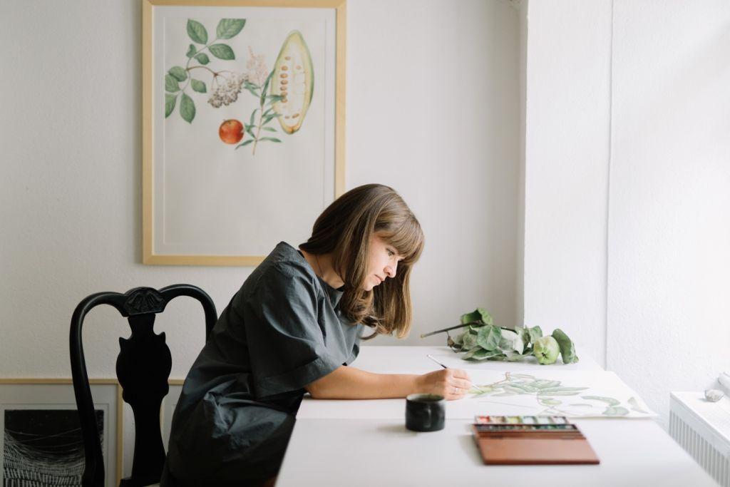 """INTERVIU. Irina Neacșu: """"Lucrez cu plante, despre plante, și dinspre plante"""""""