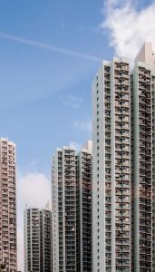 Turnuri rezidențiale, Hong Kong. Un oraș unde utopia modernistă capătă formă reală, nu am putut rezista să nu parcurg orașul pe jos, în ciuda dificultății.