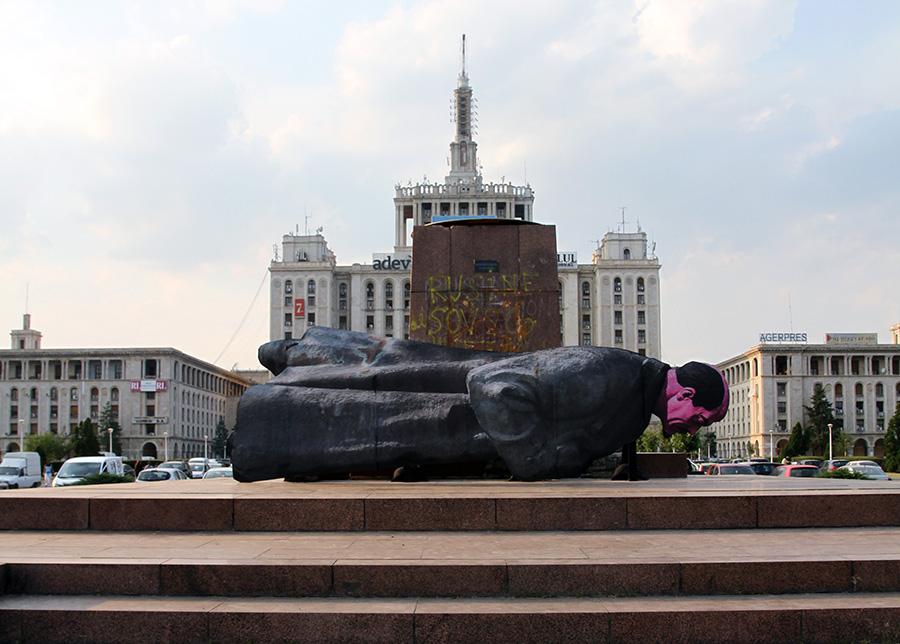 somnul-lui-lenin-pta-presei-libere-2010-by-mihai-zgondoiu