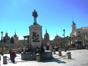 Tana Lascu, Plaza de Cervantes, Alcala de Henares