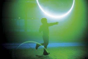 children-of-the-light-warping-halos-foto-boudewijn-bollmann-02