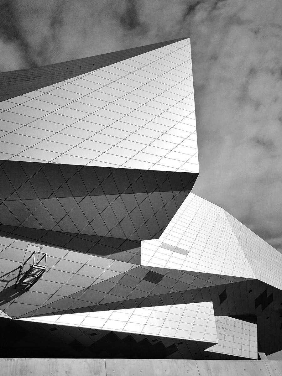 Muzeul Confluențelor, arhitectură: Coop Himmelb(l)au, Lyon, Franța