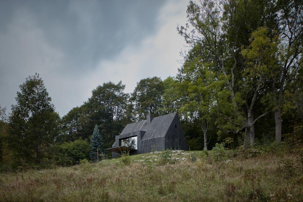 mjolk-architekti-cottage-pod-bukovkou-boysplaynice-exterior