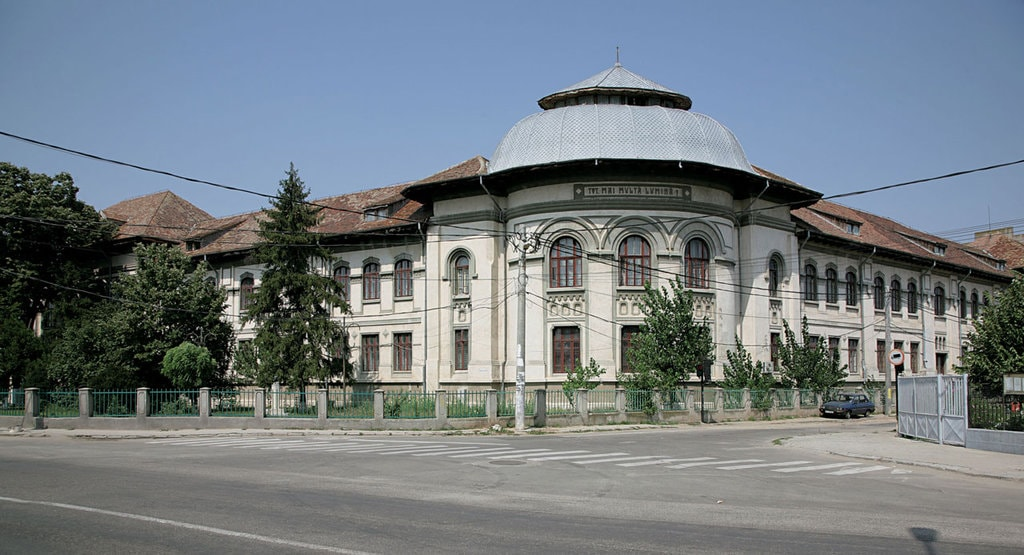Imagini pentru Caracal Liceul Ioniță Asan