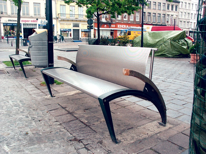 Mobilier urban sau cum recunoastem orasele din romania for Meubles urban design