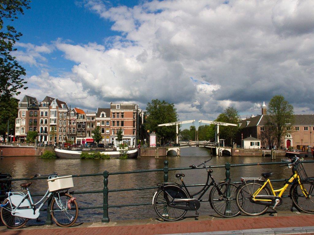 stockvault-amsterdam146472