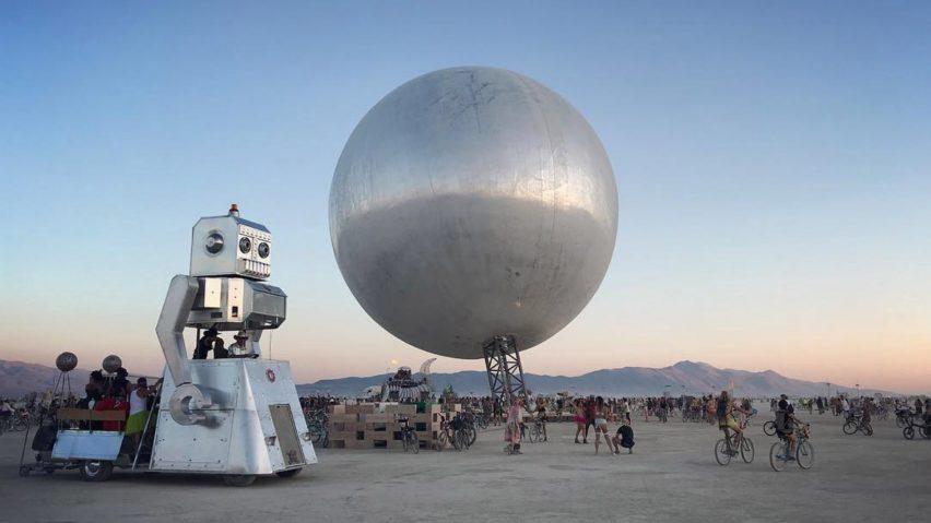 the-orb-bjarke-ingles-jakob-lange-burning-man-2018-highlights_dezeen-hero-a-852x479